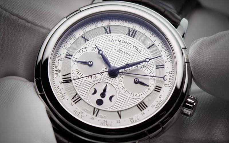 Các mẹo bảo dưỡng đồng hồ của Raymond Weil
